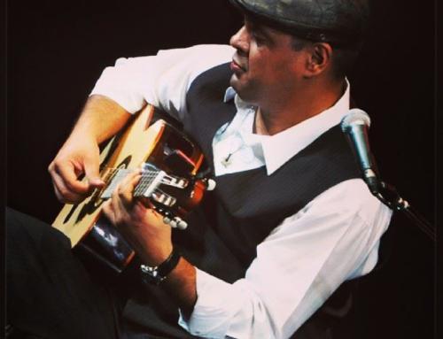 נגן הג'אז המפורסם נריס גונזלס מנגן במרטינז